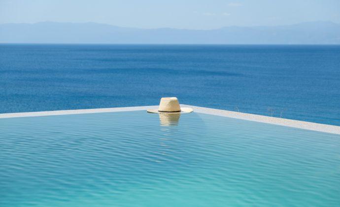 Www.pillowhite on Athens Greece Villa Rentals