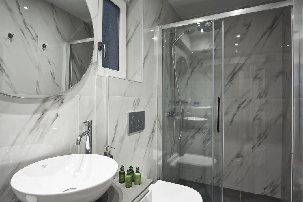 Spacius Bathroom