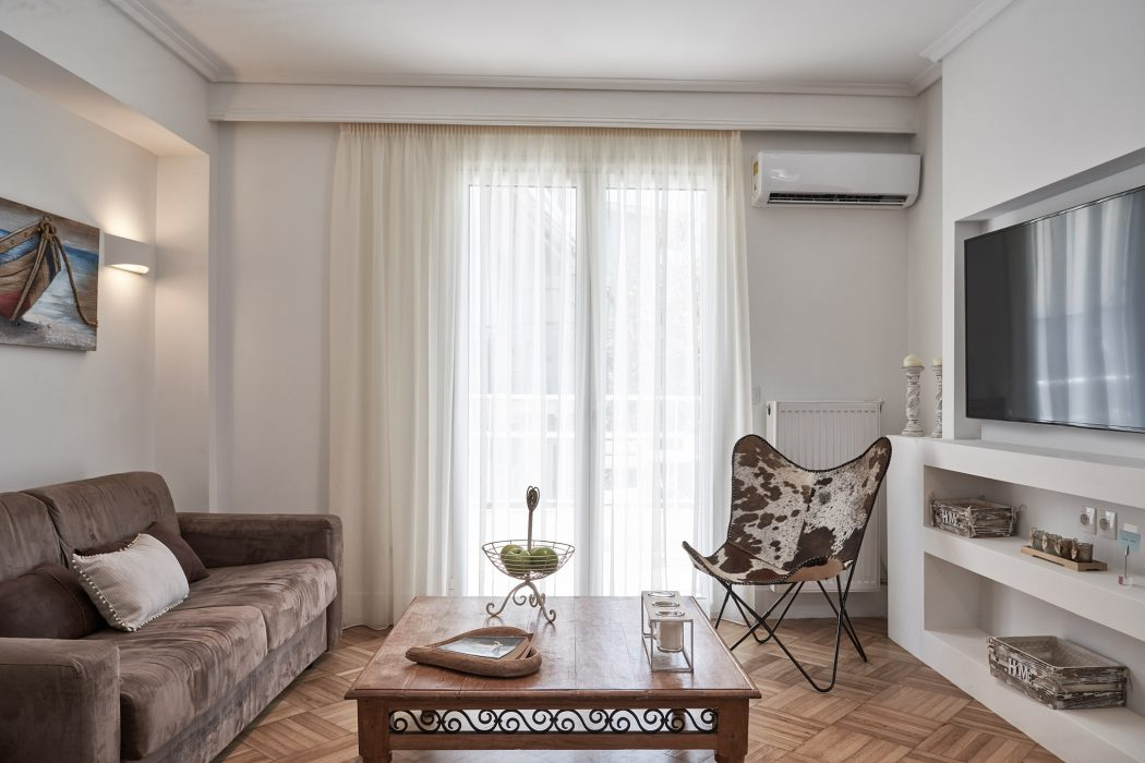 Pillowhite_Soutsou_005 Living Room