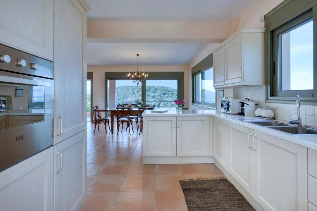 Mikro Amoni Villa 020 The Kitchen