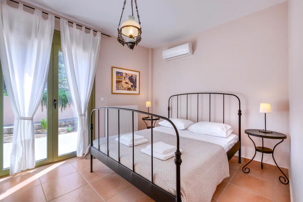 Mikro Amoni Villa 049 Bedroom 2